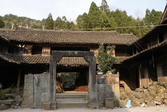 浙江二层四合院木结构建筑图片